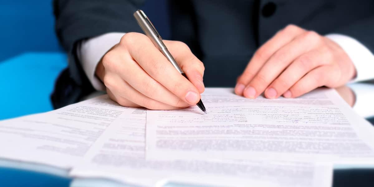 【探偵へ依頼する前に確認】依頼時に必要な契約書と注意点